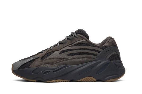 """Fake Yeezy Boost 700 V2 """"Geode"""" Family Size"""